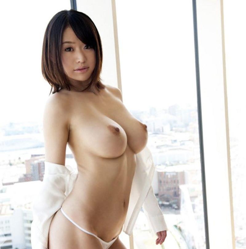 美女の全裸がボンキュッボン!