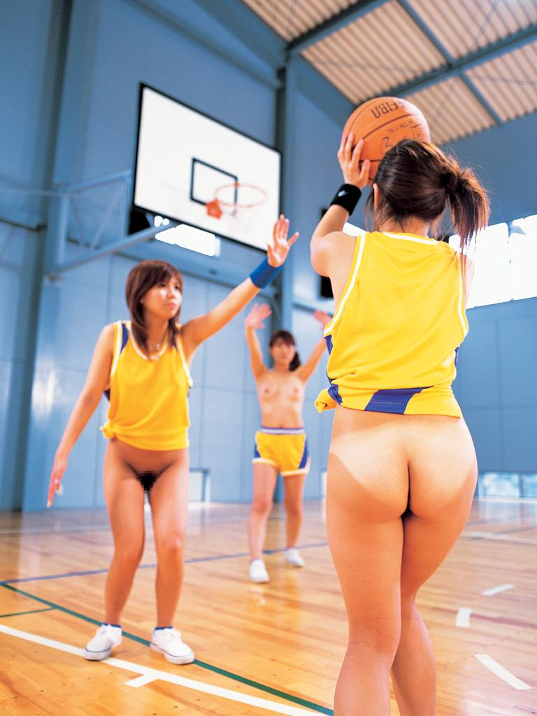 下半身裸でバスケットがエロい!