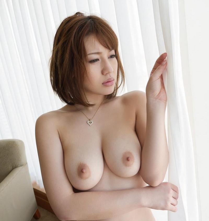 本田莉子さんの柔らかそうなおっぱい!