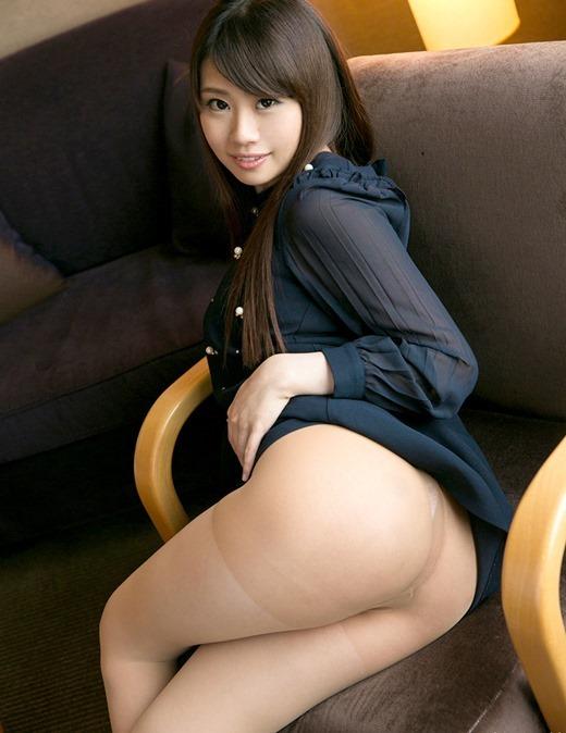 プリプリの美尻がエロいお姉さん!