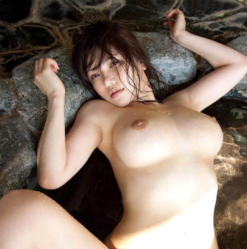 巨乳がエロすぎる美女の全裸!