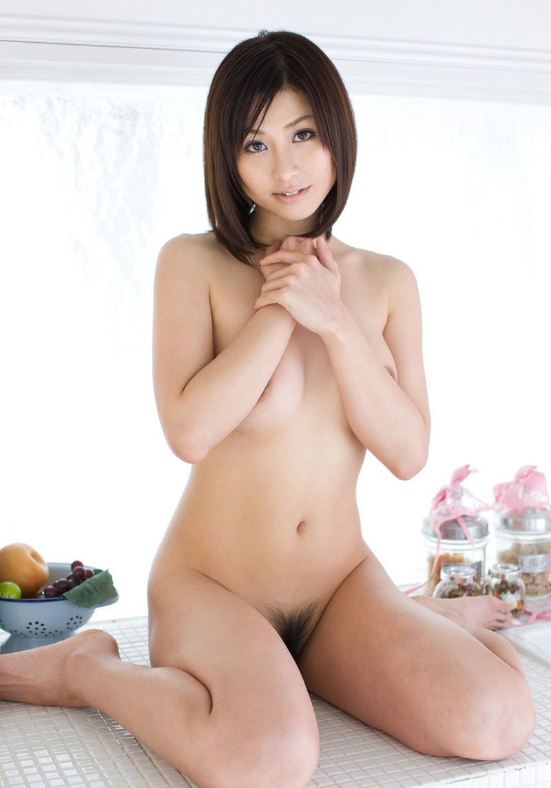全裸でぺったんこ座りがエロい!