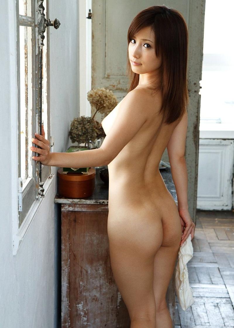小島みなみさんの全裸がそそる!