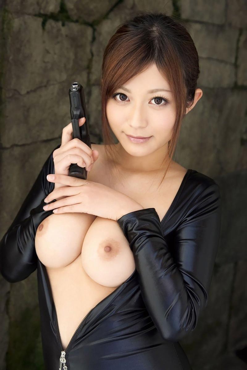佐藤遥希さんの巨乳がそそる!