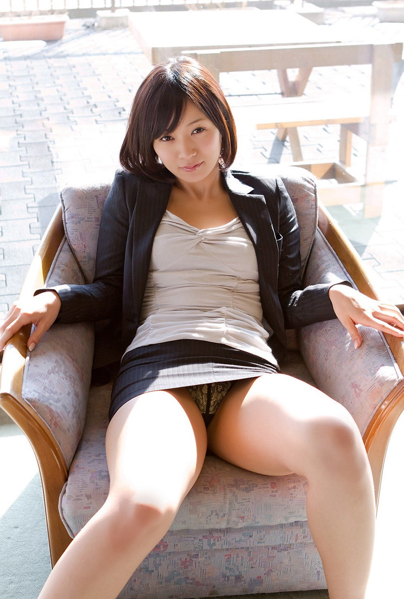 小倉奈々さんのパンチラ!