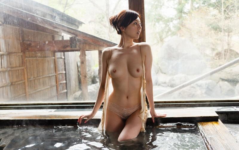 美女の入浴シーンが堪らん!