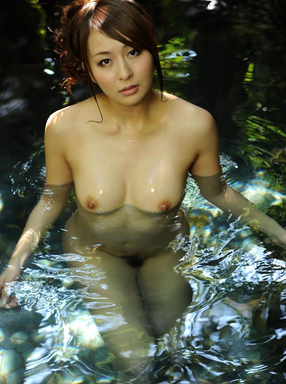 木崎ジェシカさんの入浴シーン!
