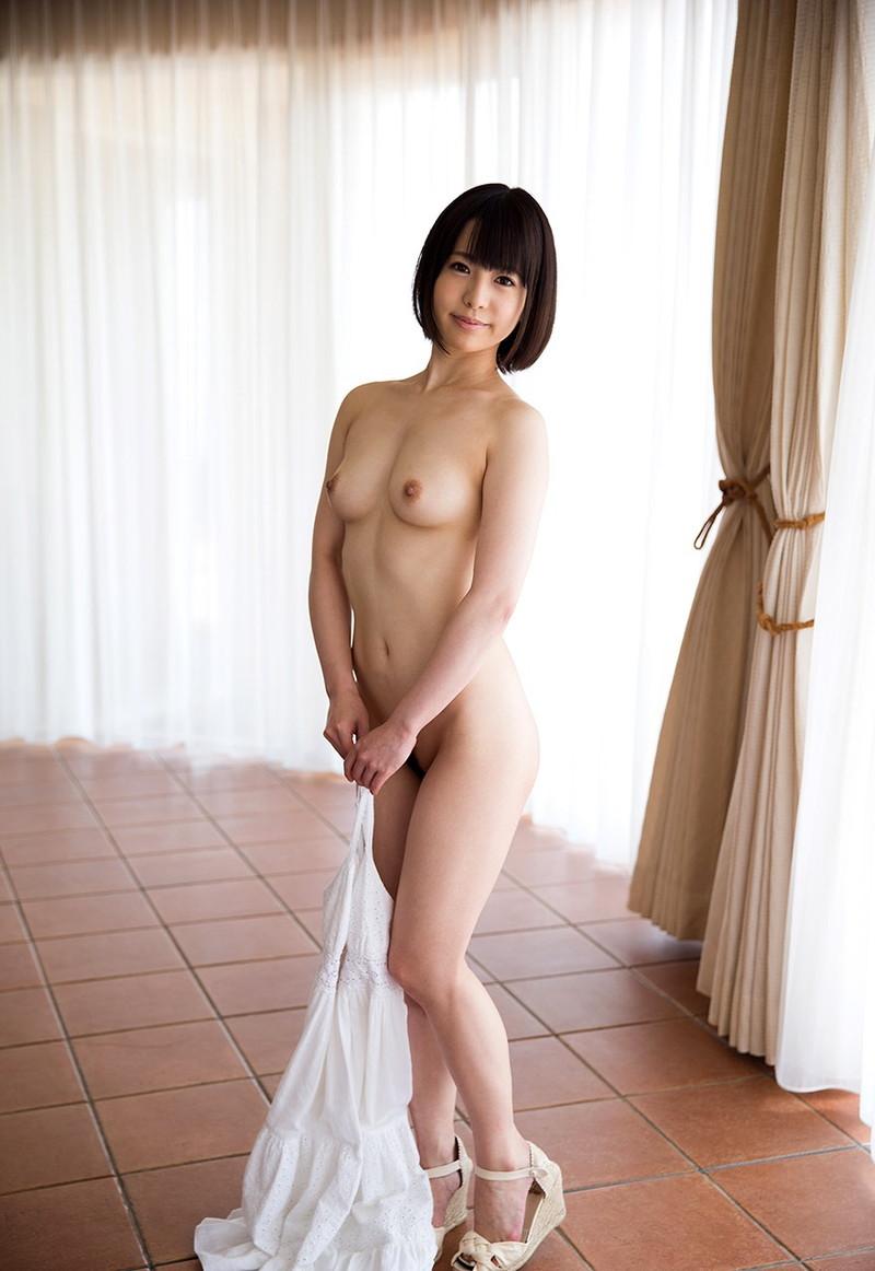美少女の全裸にドキドキ!